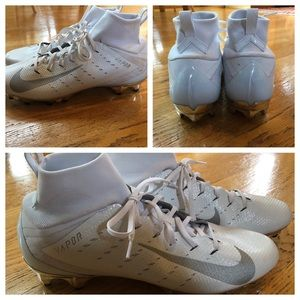 EUC Nike Vapor cleats with silver metallic cleat